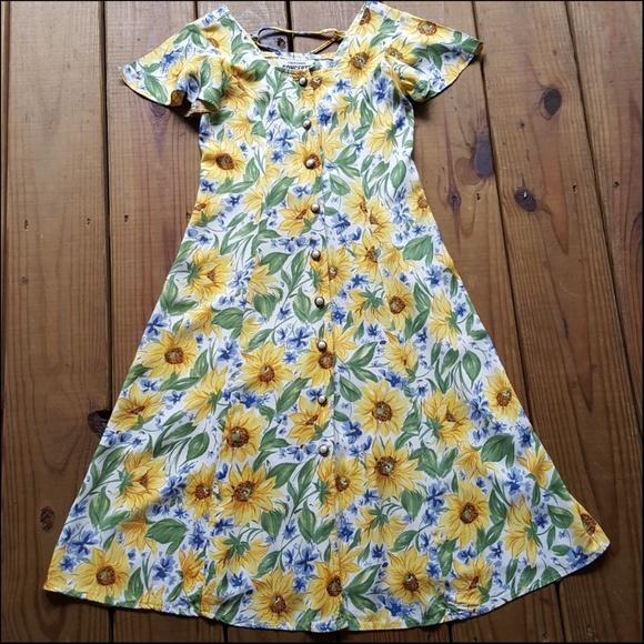 287a5e64b8ef California Concepts Dresses & Skirts - Vintage 80's XXS sunflower lace up  mini dress